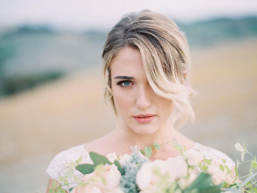Cosa cerchi dal team di bellezza per il tuo look da sposa?